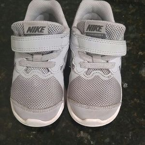 US size 6 toddler boys Nike's